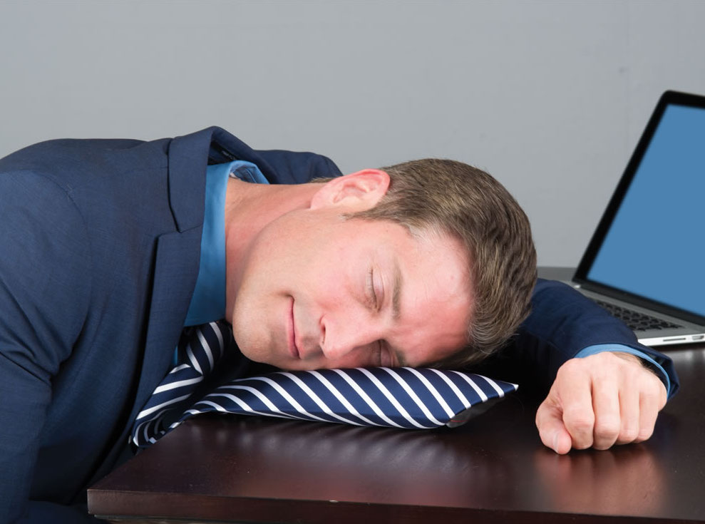 Faire la sieste au bureau avec ces 10 gadgets insolites !