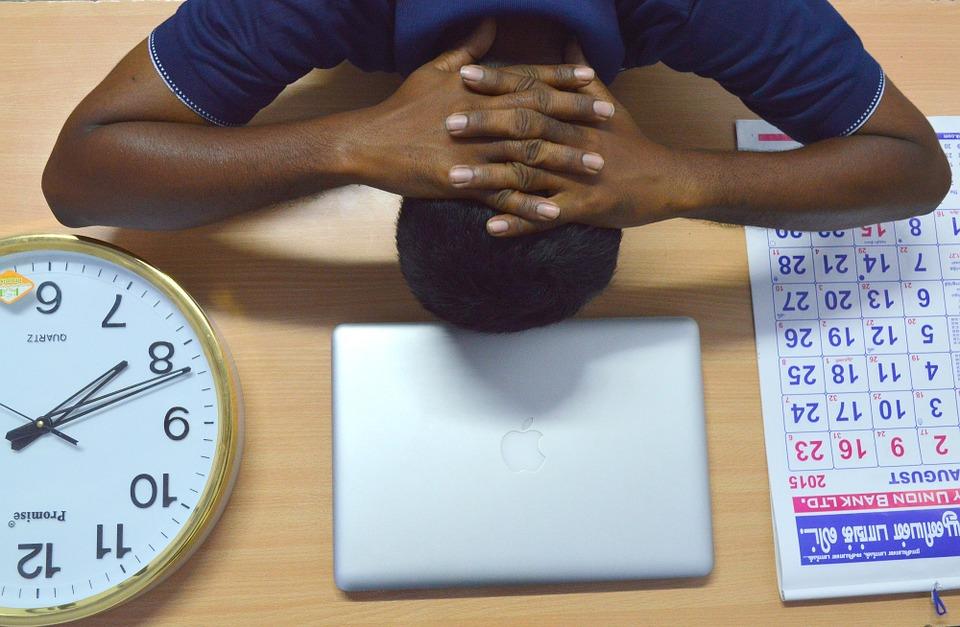 Plus on passe du temps sur une tâche, moins on est productif, c'est l'effet Troxler