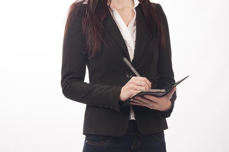 Réduisez vos dépenses en engageant une assistante à distance